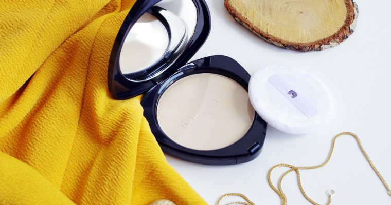 COMPACT POWDER DR. HAUSCHKA REVIEW